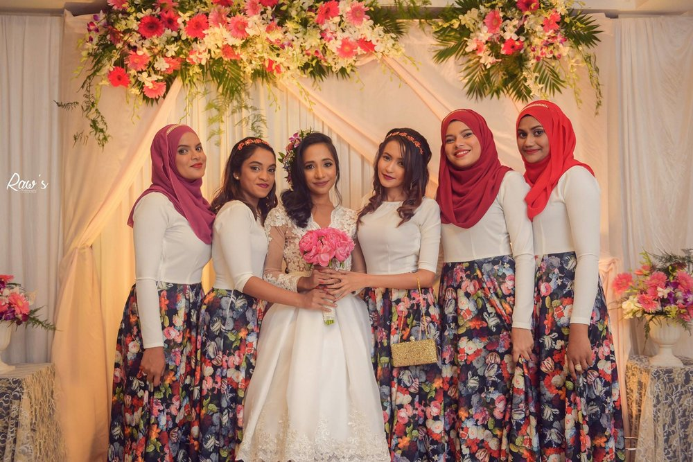 Hasun and Nidha's Bridal Party. Photography by Raw's Photo.