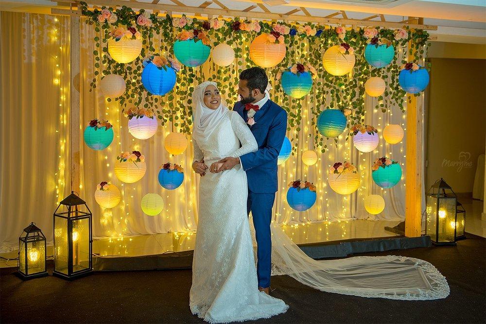 Fareesh and Hasna. Photography by White Room / Nasru Garu