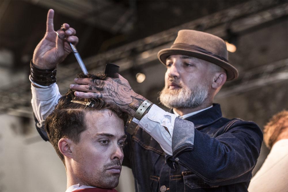 Zie barber talenten van dichtbij aan het werk en experimenteer samen met hun.Dus neem je tools & skills mee! -