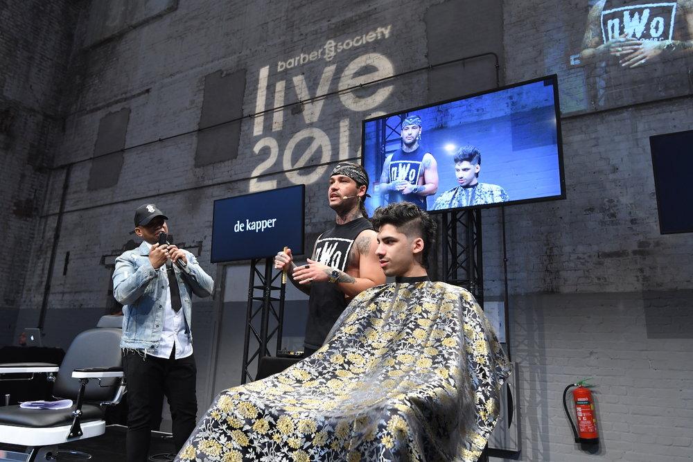 Doe inspiratie op bij indrukwekkende shows van barber talenten uit binnen- en buitenland. -