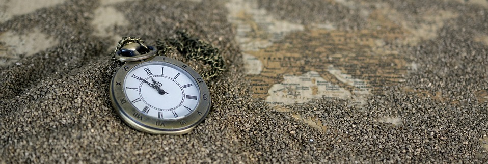 Source: https://pixabay.com/en/pocket-watch-time-of-sand-1637396/
