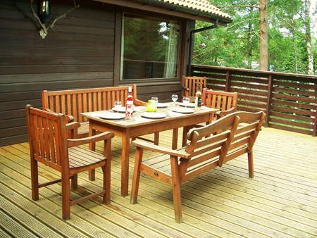 Deck dining.jpg