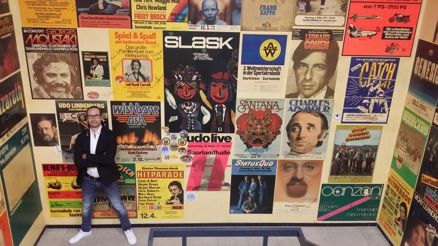 ... hier in der Saarlandhalle auf. Viele von ihnen hatten damals Fotos und Plakate, ...