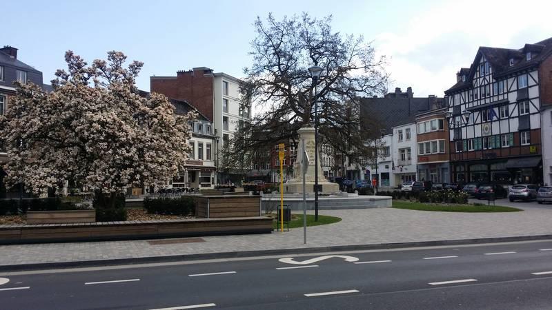 Der Marktplatz ...