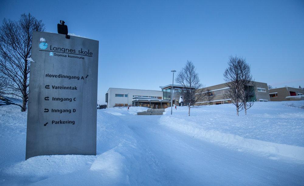 UNGDOMSSKOLE: Tett på Einerhagen ligger ungdomsskolen Langnes skole, der første kullet startet i 2004.