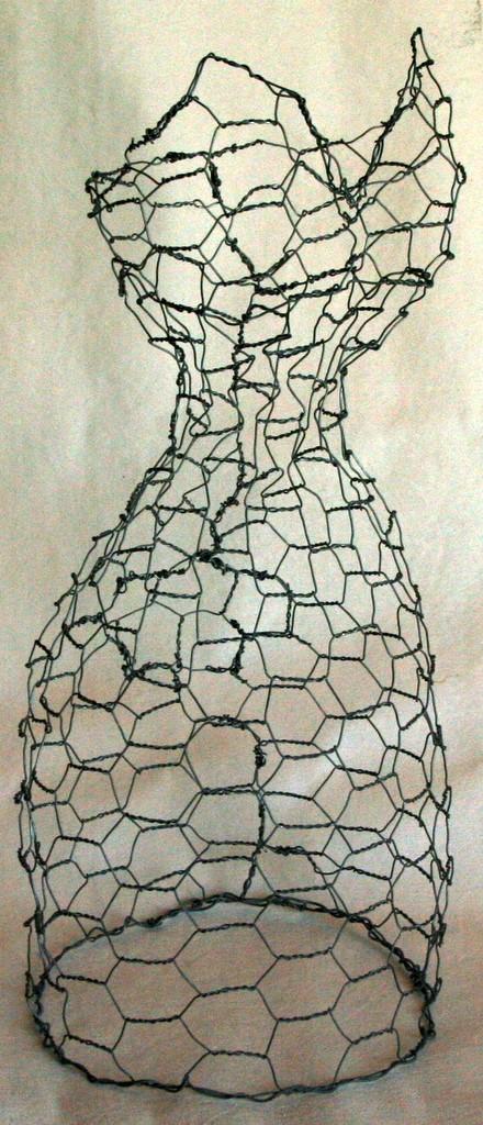 chicken wire dress form 3.jpg