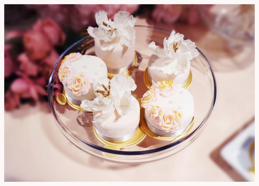 Melody & Yue mini cake (2).jpg