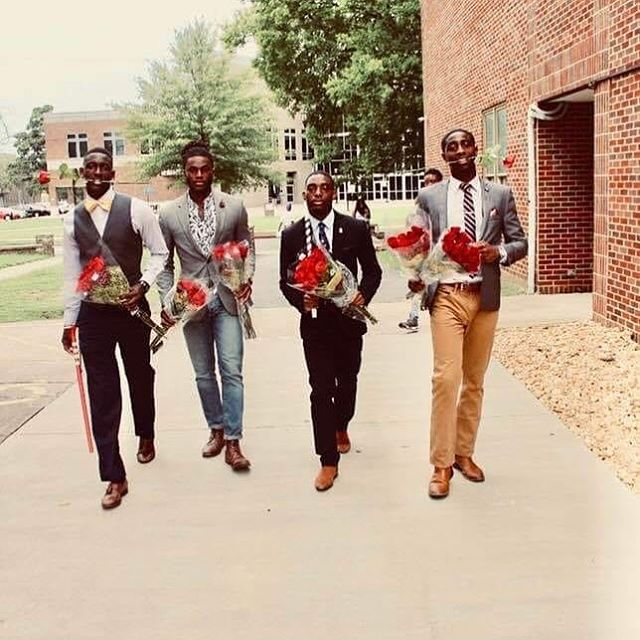After the first few days of a new semester, walking into the the weekend like... 🌹🌹🌹 #BetaTau #Kappas #BTStrong #PhilanderSmithCollege #WelcomeWeek #hbculife