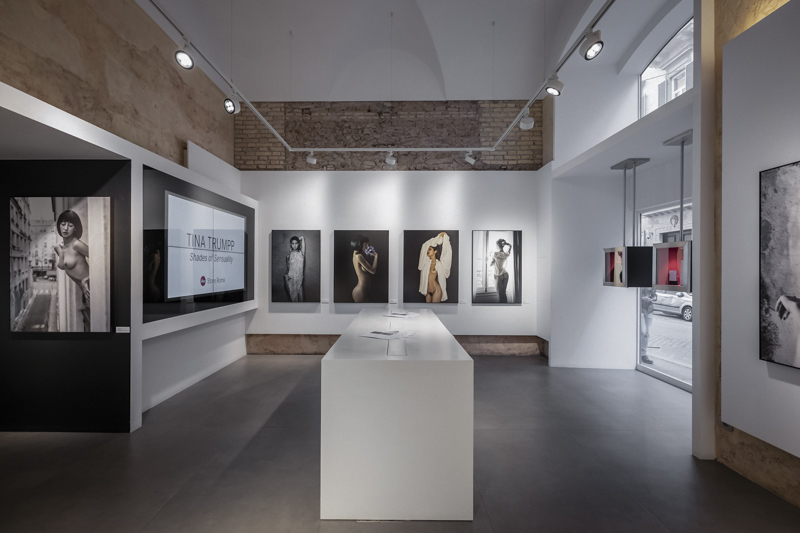 ina_Trumpp_Leica_Store_Rome_exhibition.jpg