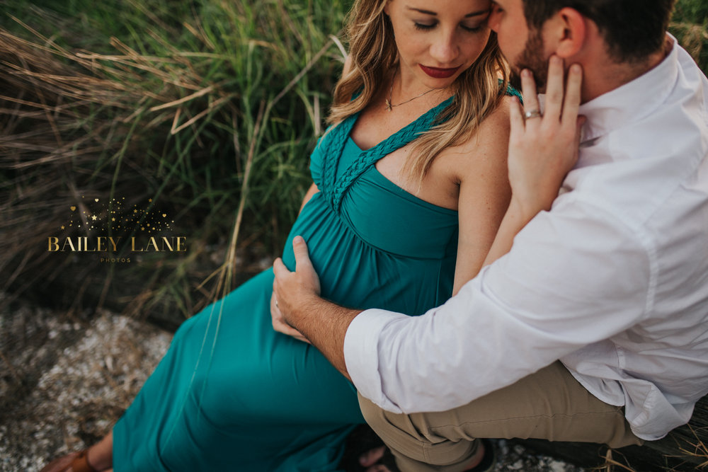 Woodsy Maternity Sessions