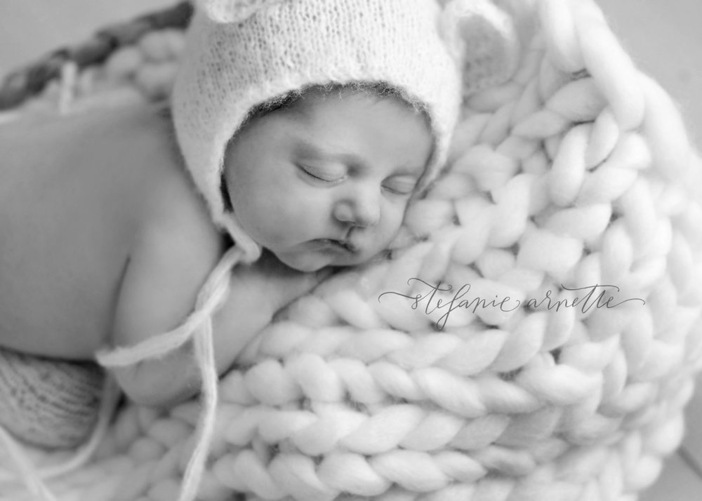 newborn-38bw.jpg