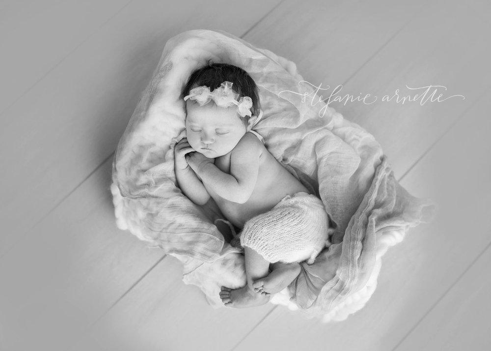 newborn-76bw.jpg