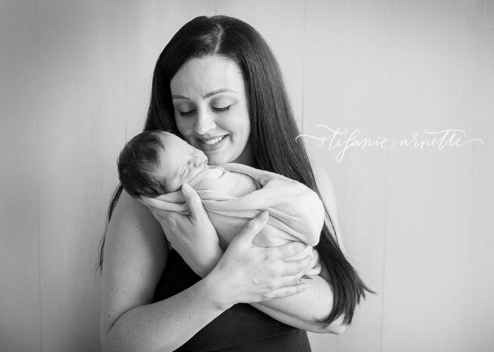 newborn-158bw.jpg