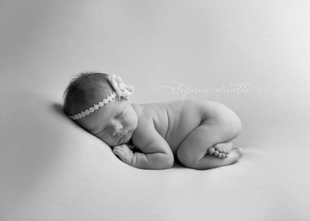 newborn-115bw.jpg