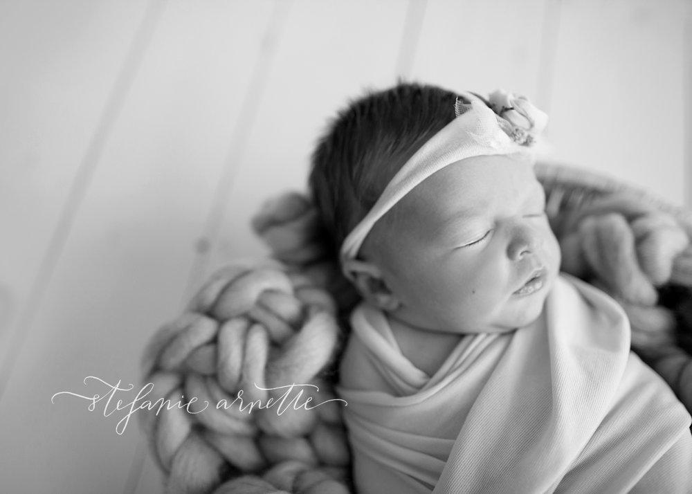 newborn-15bw.jpg