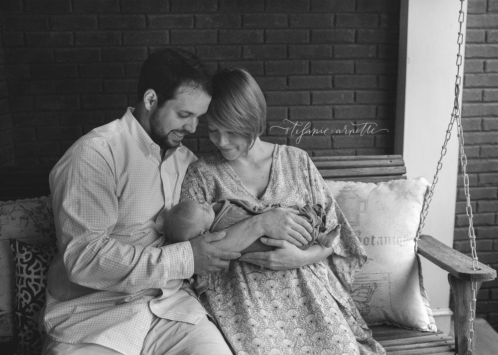 newborn-204bw.jpg