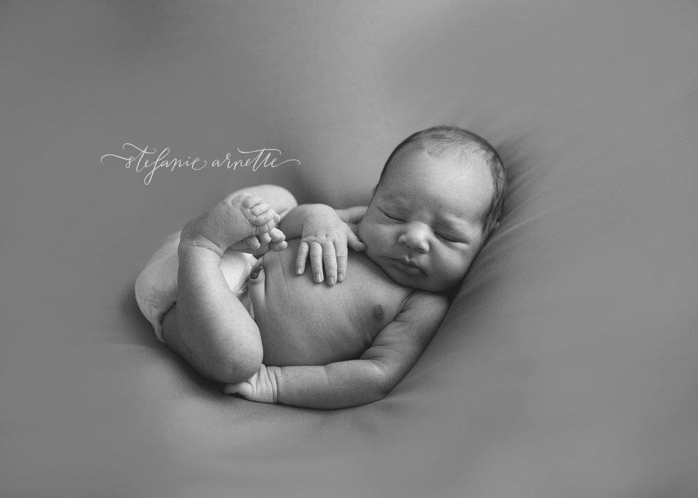 newborn-64bw.jpg