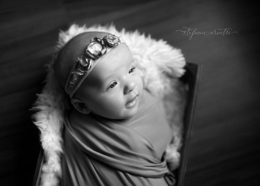newborn (81)bw.jpg