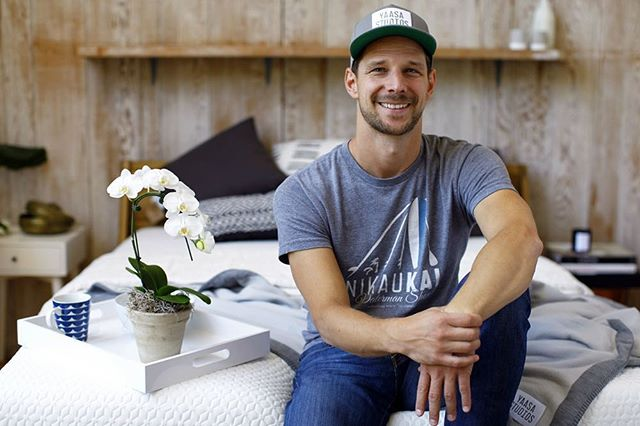 """Yaasa"" is Sanskrit for ""success"". If this word sounds familiar it probably has to do with Johannes Sauer, the man behind @yaasastudios here in SB! To read all about his local business venture and how he ""believes the key to life starts with a cozy bed"", check out his latest feature in @noozhawk's business article! We've made things easy, so just tap the link in our bio 🙃💤🛌"