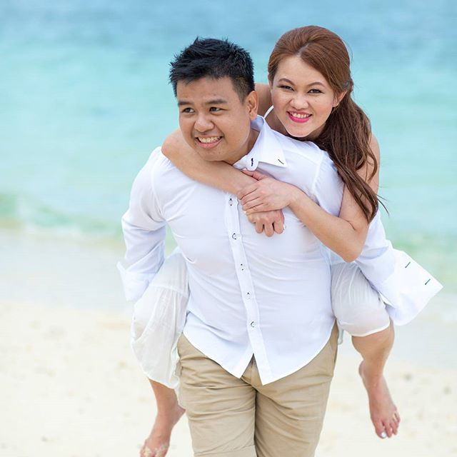 No matter how heavy you are, I will still carry you.  #eddiejacklyn #love #lovethesea #boracay #destinationshoot #coupleshoot #couplesg