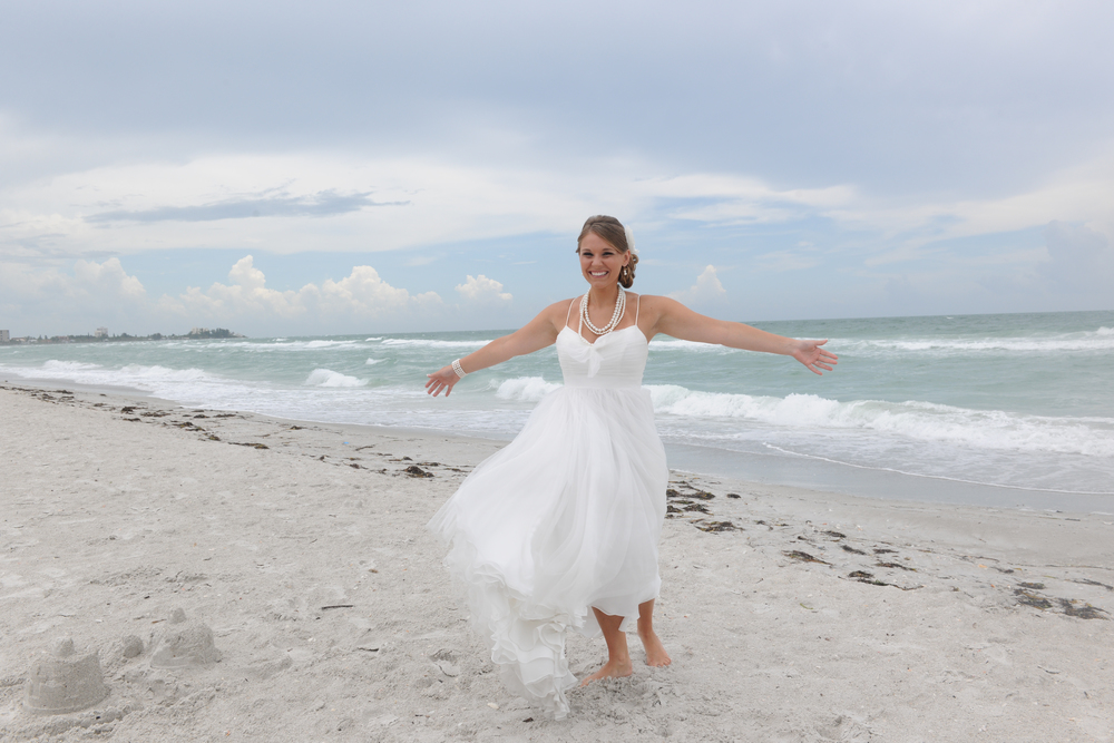 Bride_on_the_Beach_49334_standard.jpg