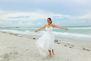 Bride_on_the_Beach_49334_standard (2)2.jpg