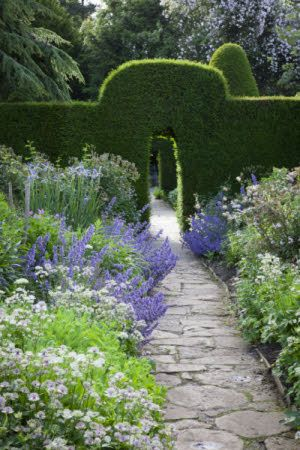 Hidcote Manor – the ultimate arts and crafts garden