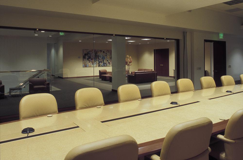Nautilus_Boardroom_02.jpg