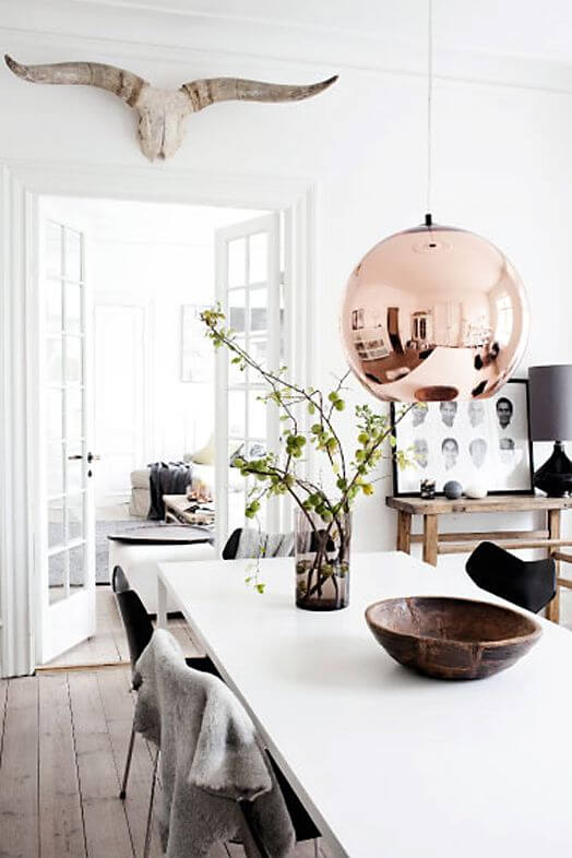 Scandinavian-dining-room-with-statement-light.jpg