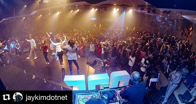 """""""When 1000+ people show up to a room that seats 750."""" 📷 cred: @jaykimdotnet #OneENCampus #ENCampus #ENC"""