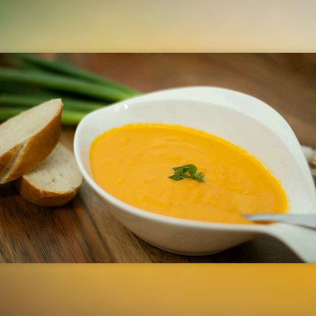 @juddscatering: warm yourself up with carrot ginger soup. Look at that color.  #foodie #instagood #pasadena #foodevent #laevents #farmersmarket #foodmarket #streetfood #foodvendor #626