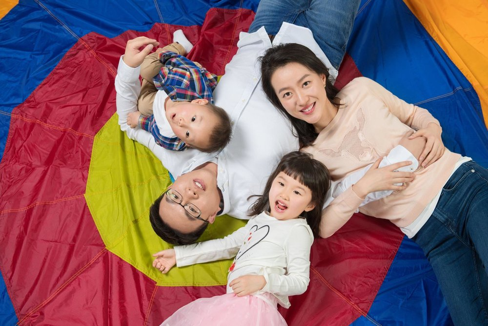 Dr. Zhenyu Zhang and his family