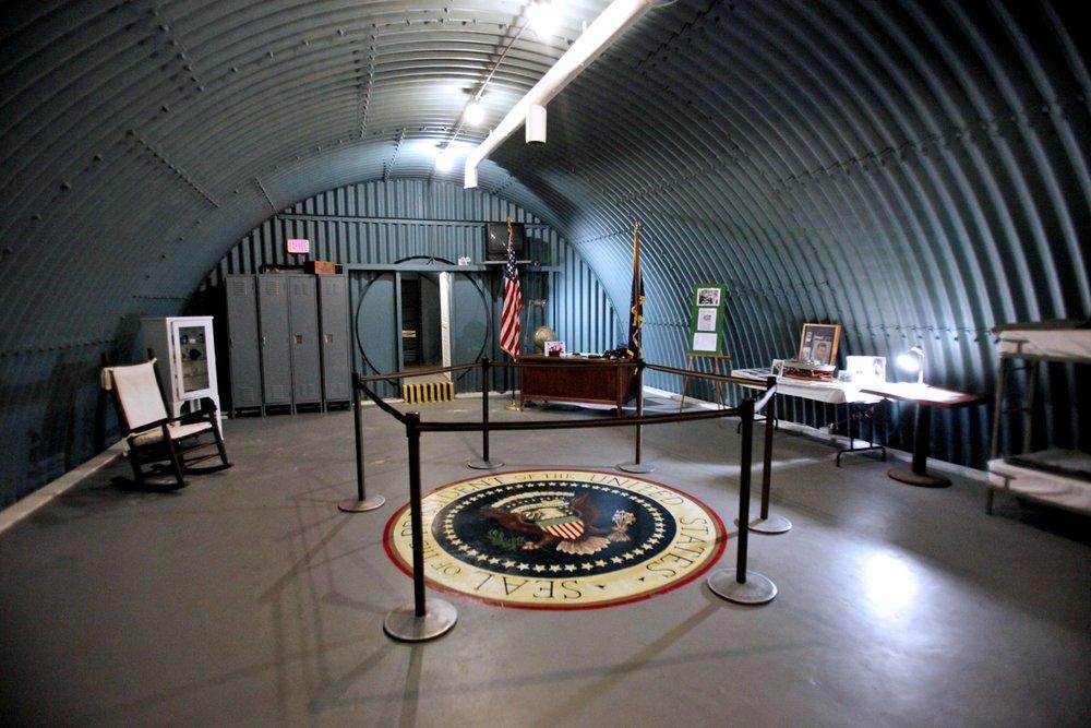 041212-met-bunker-4.jpg