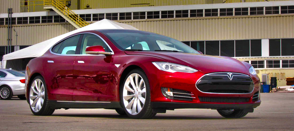 → First Ride: 2012 Tesla Model S Beta