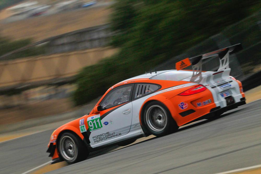 → Porsche 911 GT3 R Hybrid takes to Laguna, electric tech bound for 2014 LeMans