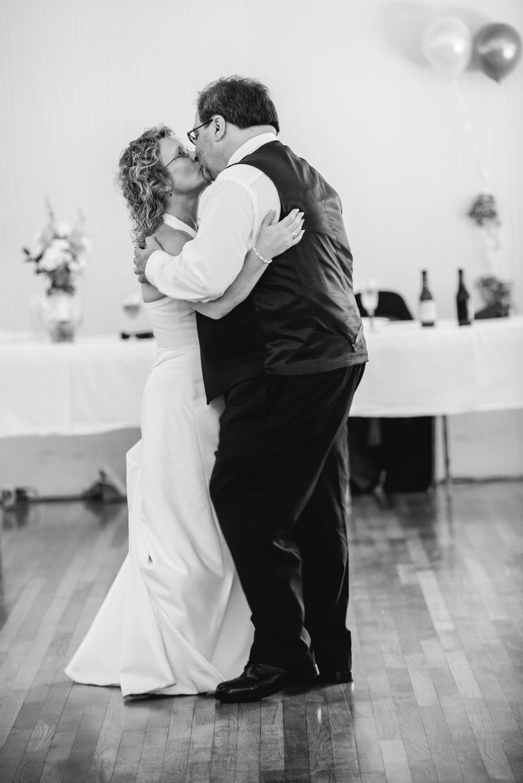Jacki Jones & Rob Taylor_Mei Lin Barral Photography-24.jpg