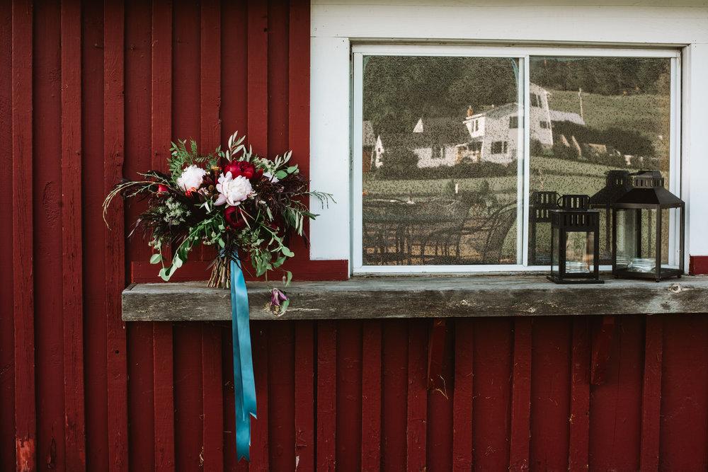 VT Autumn Wedding Inspiration - Boyden FarmFeatured in Vermont Bride Winter/Spring 2018 Edition
