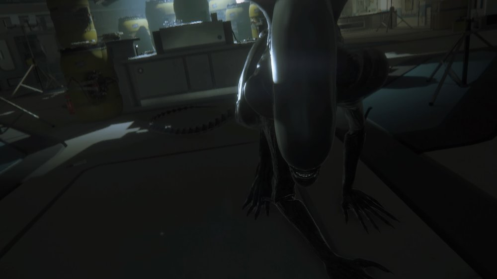 "The Xenomorph ""sneaking up"" on the player!"