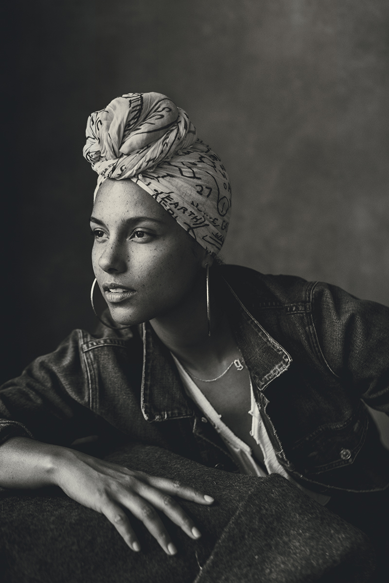 Alicia-Keys-Inside-3.jpg