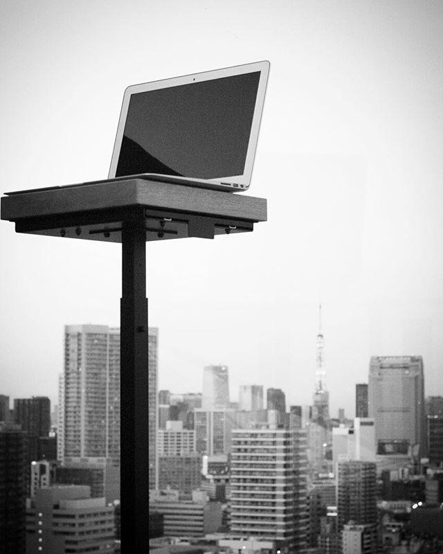 Outside office. #coffeebreak #coffeeculture #coffeetime #digitalnomad #flatwhite #minimalism #minimalist #minimalmood #mnml #simplelife #standingdesk #workanywhere #workfromanywhere #livefolk #letsgosomewhere#mobileoffice #myoffice #worklifebalance #workspace
