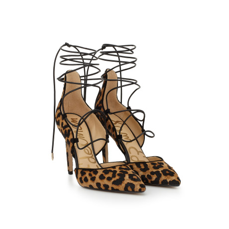 So I am not a huge fan of some leopard prints, but Sam Edelman never seems to fail!