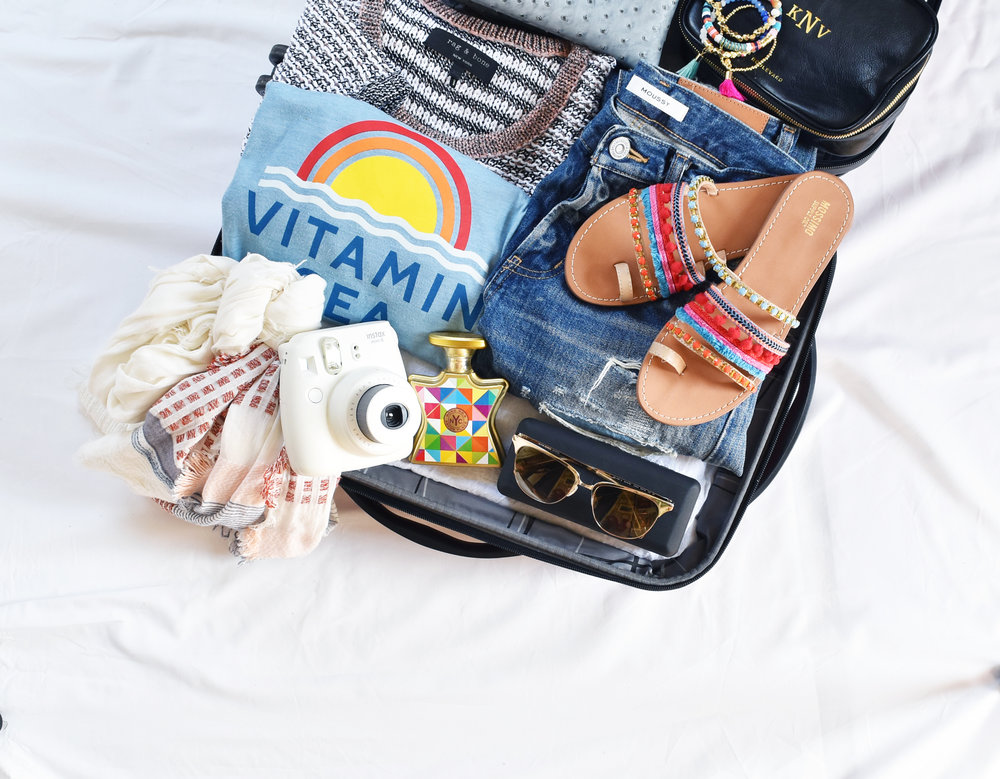 I added a few finishing touches for a completed look & we are done! See not so hard, just takes a minute to get a good layout and framing of the photo! Tag your suitcase pic with #myeyecatchingshot for a chance to be featured!