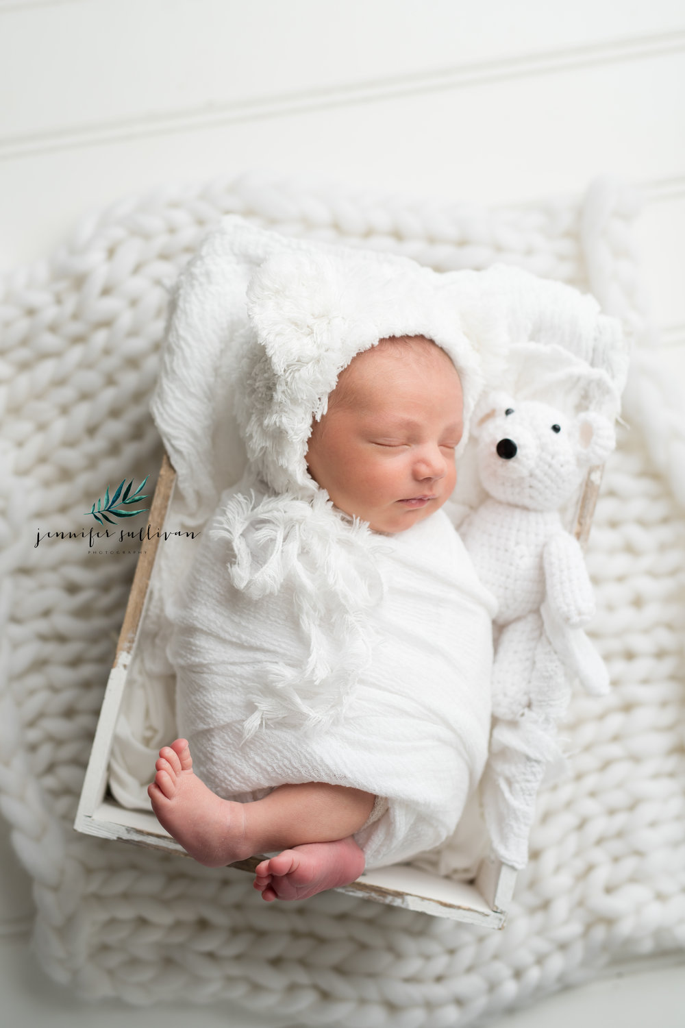 I have all the wraps and blankets and props in my studio that we need for our newborn session. I keep the palate neutral with the focus on the baby and all the little details. Your baby is a work of art and should be displayed in your home. With neutral colors, your images can be displayed anywhere.