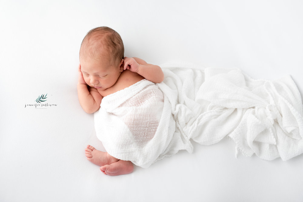 DARTMOUTH NEWBORN BABY PHOTOGRAPHER ~ JENNIFER SULLIVAN PHOTOGRAPHY  specializing in newborn, baby, cakesmash and family photography in Dartmouth, Massachusetts and the surrounding ares including Westport, New Bedford, Fairhaven, Marion, Mattapoisett and Acushnet.