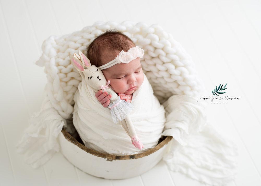 dartmouth massachusetts newborn photographer -400-2.jpg