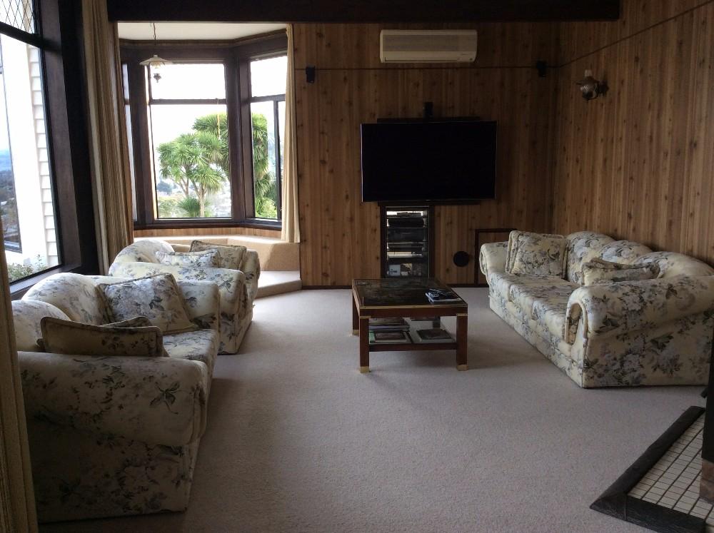downstairs lounge.JPG