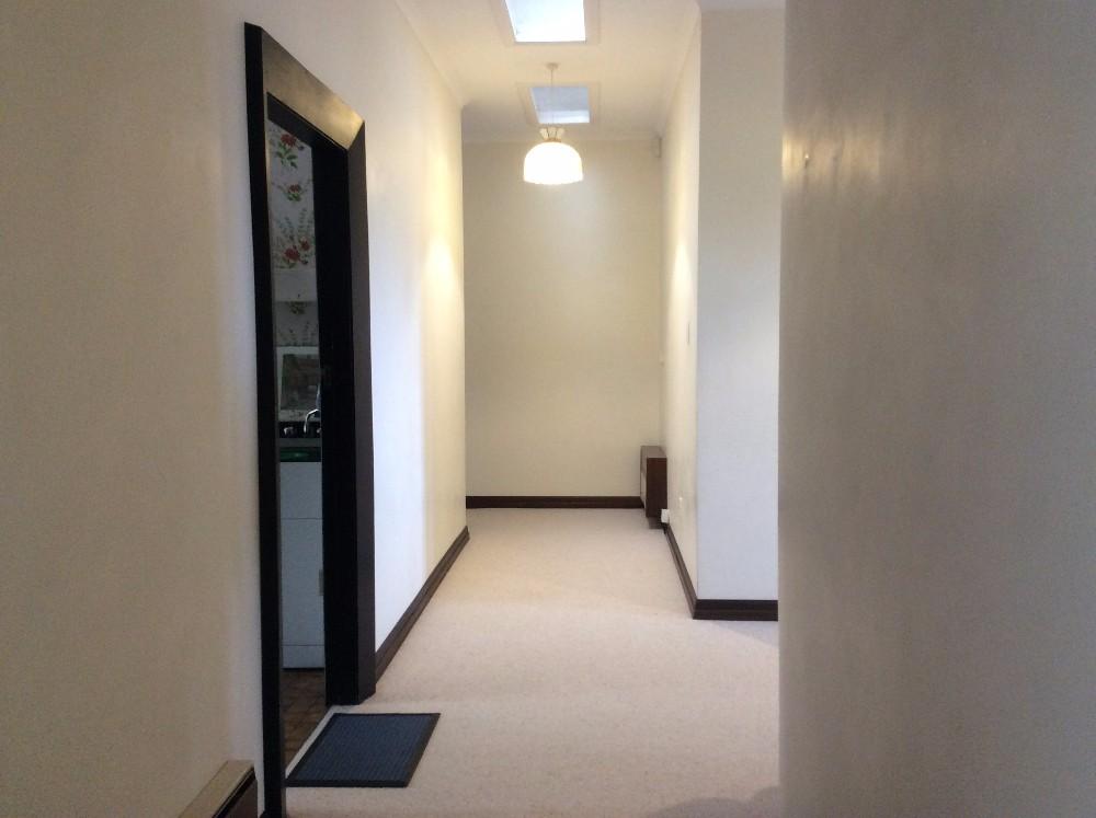 hallway to bedrooms.JPG