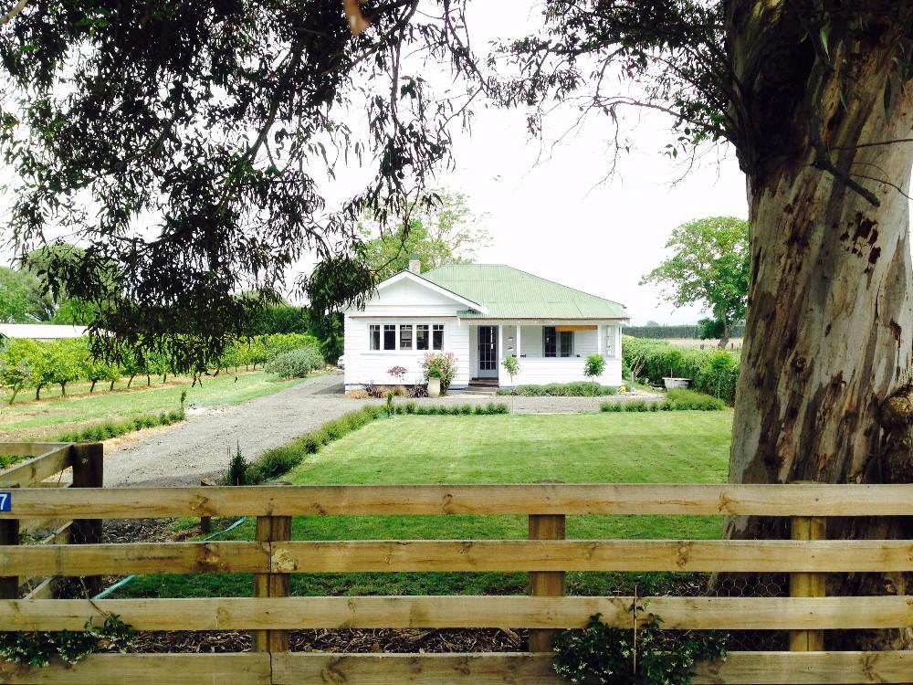 Bushmere Front House Profile.jpg