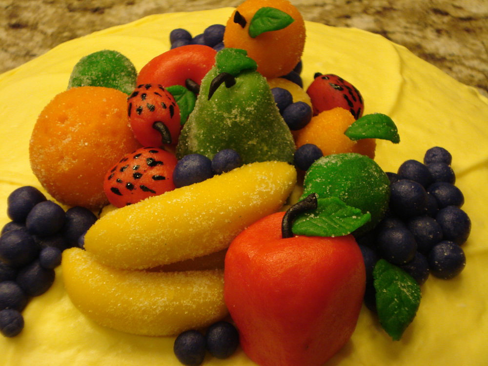 Marzipan_fruit_closeup.jpg