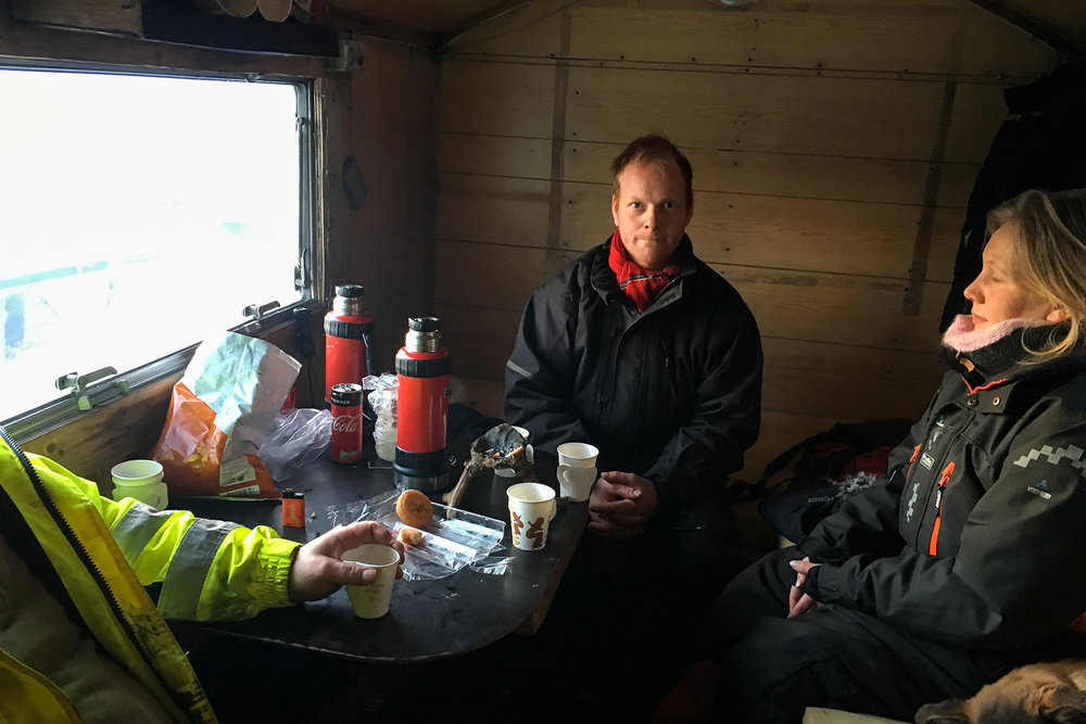 Reiulf Aleksandersen and friends take a lunch break
